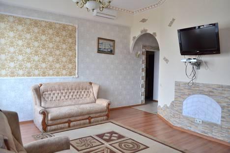 Сдается 1-комнатная квартира посуточно в Ялте, ул. Яна Булевского 1.