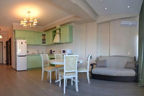 Сдается 1-комнатная квартира посуточно в Гурзуфе, ул. Ялтинская, 14г.
