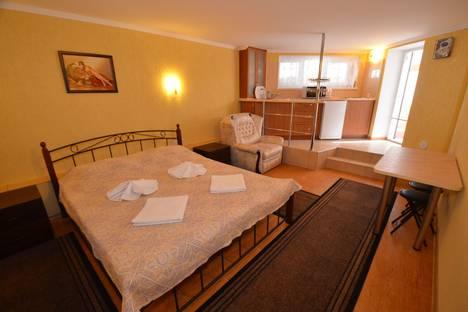 Сдается 1-комнатная квартира посуточно в Феодосии, Черноморская набережная, 1б.