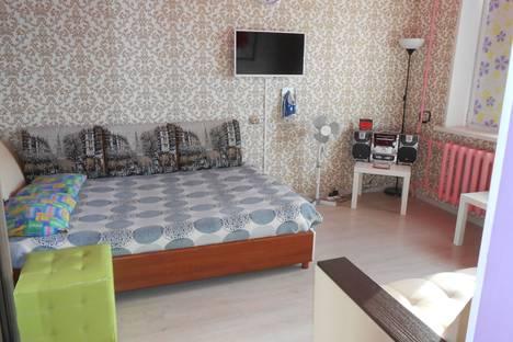 Сдается 1-комнатная квартира посуточно в Нижнекамске, улица 30 лет Победы, 15.