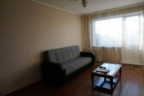 Сдается 2-комнатная квартира посуточно в Барнауле, проспект Строителей 35.