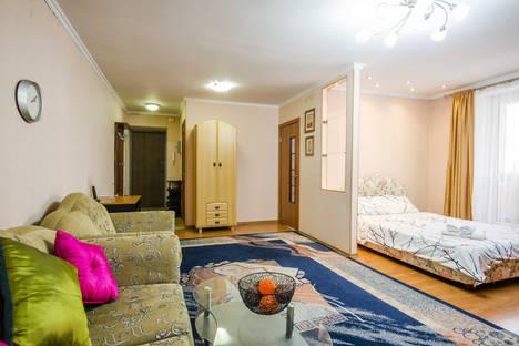 Сдается 1-комнатная квартира посуточно в Алматы, улица Сатпаева, 8.