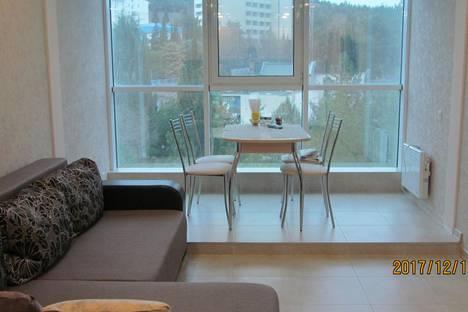 Сдается 2-комнатная квартира посуточно в Алуште, улица Перекопская, 4в.