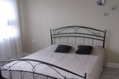 Сдается 2-комнатная квартира посуточно в Пионерском, ул Комсомольская.