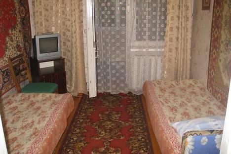 Сдается 2-комнатная квартира посуточно в Орджоникидзе, ул.Бондаренко, 12.