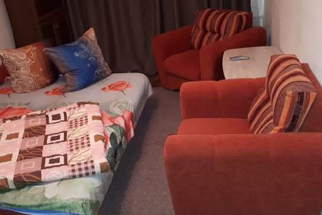 Сдается 1-комнатная квартира посуточно в Астрахани, Волжская улица, 49.