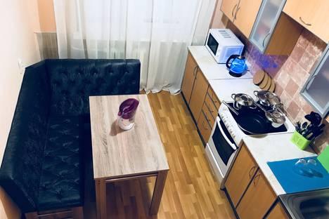 Сдается 4-комнатная квартира посуточно в Кировске, улица Олимпийская, 81.