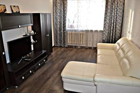 Сдается 2-комнатная квартира посуточно в Кирове, улица Казанская, 80.