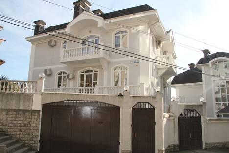 Сдается 1-комнатная квартира посуточно в Сочи, улица Клубничная, 1/6.