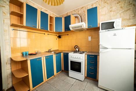 Сдается 2-комнатная квартира посуточно, улица Таганрогская, 112 корпус 3.