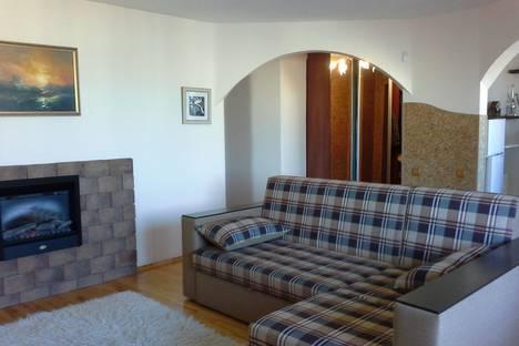 Сдается 3-комнатная квартира посуточно, прoспект М. Горького д 51.