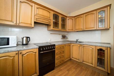 Сдается 1-комнатная квартира посуточно в Челябинске, проспект Ленина, 83А.