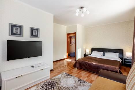 Сдается 1-комнатная квартира посуточно в Кемерове, проспект Ленина, 38.