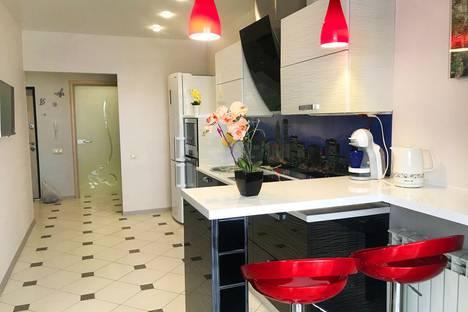 Сдается 1-комнатная квартира посуточно в Орле, набережная Дубровинского, 46.