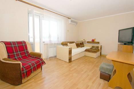 Сдается 1-комнатная квартира посуточно в Феодосии, Строительная улица, 13.