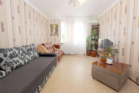 Сдается 1-комнатная квартира посуточно в Феодосии, бульвар Старшинова, 21.