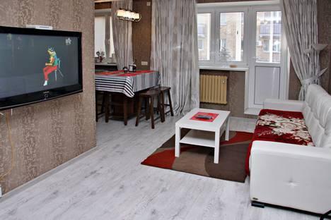 Сдается 2-комнатная квартира посуточно в Гомеле, ул. Привокзальная, 5.