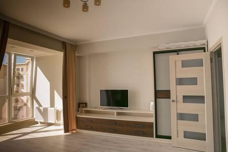 Сдается 1-комнатная квартира посуточно в Севастополе, проспект Античный 12-а.