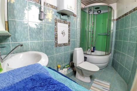 Сдается 1-комнатная квартира посуточно в Казани, проспект Хусаина Ямашева, 102.