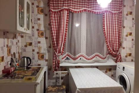 Сдается 2-комнатная квартира посуточно в Вольске, Ярославская улица, 2Б.