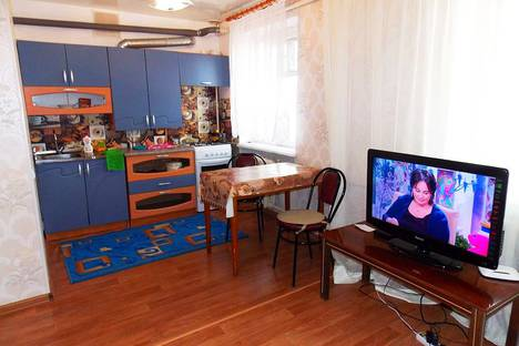 Сдается 2-комнатная квартира посуточно в Симферополе, улица Крейзера, 16.