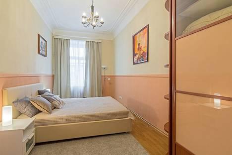 Сдается 3-комнатная квартира посуточно в Санкт-Петербурге, улица Восстания, 3.