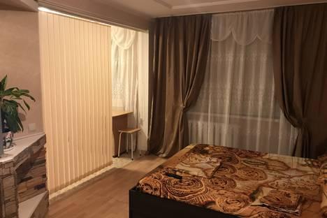 Сдается 1-комнатная квартира посуточно в Армавире, улица Советской Армии 14.