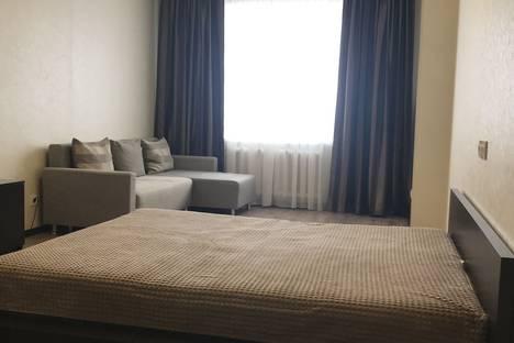 Сдается 1-комнатная квартира посуточно, улица Георгия Димитрова, 110.
