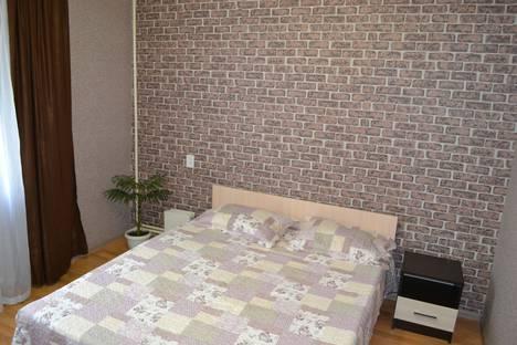 Сдается 1-комнатная квартира посуточно, улица Навашина, 40.