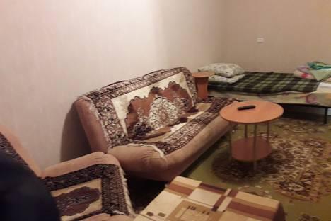 Сдается 2-комнатная квартира посуточно в Железногорске, улица Свердлова 36.