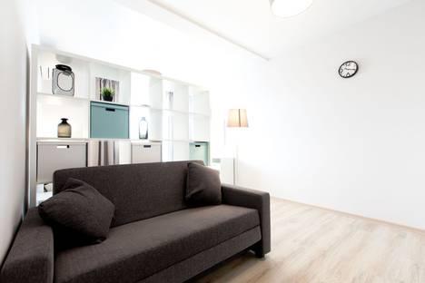 Сдается 2-комнатная квартира посуточно, улица Туапсинская, 8.