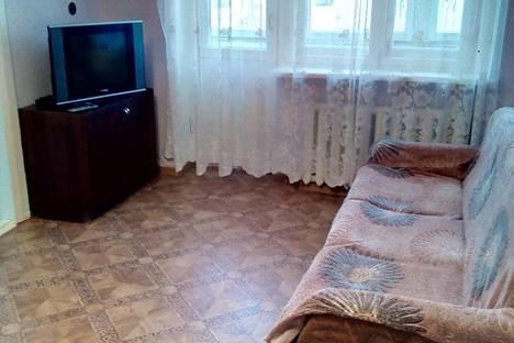 Сдается 2-комнатная квартира посуточно в Новокуйбышевске, проспект Победы, 15А.