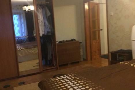 Сдается 3-комнатная квартира посуточно в Таганроге, Петровская улица, 15.