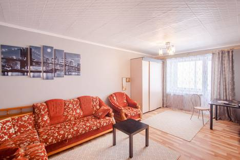 Сдается 2-комнатная квартира посуточно в Томске, Советская улица, 99.