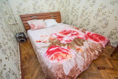 Сдается 2-комнатная квартира посуточно в Гурзуфе, улица Соловьева, 2.