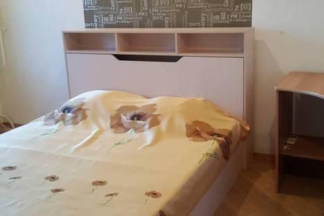 Сдается 3-комнатная квартира посуточно в Саратове, улица Куприянова, 12А.