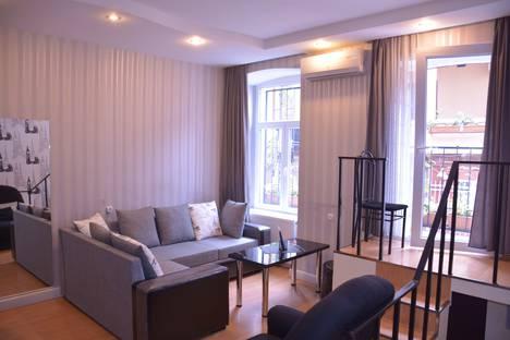 Сдается 2-комнатная квартира посуточно в Тбилиси, улица Дмитрия Бакрадзе, 4/2.