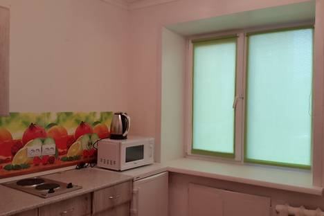 Сдается 1-комнатная квартира посуточно, Комсомольская улица, 52.