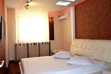Сдается 2-комнатная квартира посуточно в Брянске, улица Красноармейская, 100.