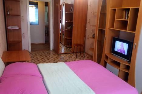 Сдается 1-комнатная квартира посуточно в Калуге, улица Степана Разина 95.