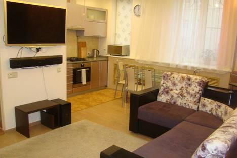 Сдается 4-комнатная квартира посуточно в Москве, Чистопрудный б-р, 12к2.