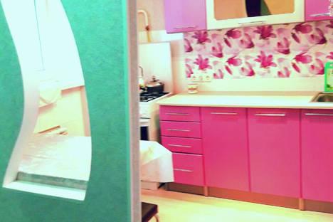 Сдается 2-комнатная квартира посуточно в Актау, 7мкр 8 дом.