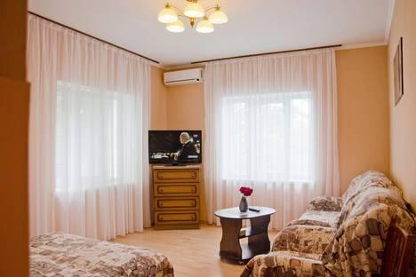 Сдается 2-комнатная квартира посуточно в Алупке, пер.Приморский,д1.