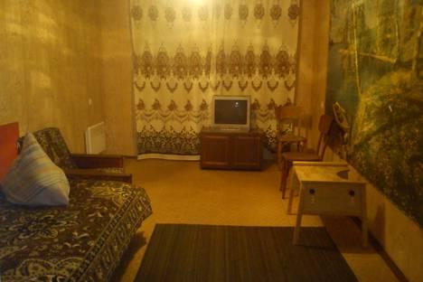 Сдается 2-комнатная квартира посуточно в Никополе, улица Шевченко 160.