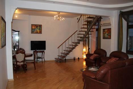 Сдается 3-комнатная квартира посуточно в Москве, ул Тверская, 8к1.