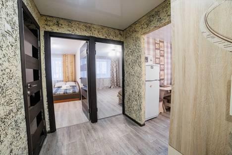 Сдается 2-комнатная квартира посуточно в Томске, проспект Кирова, 60.
