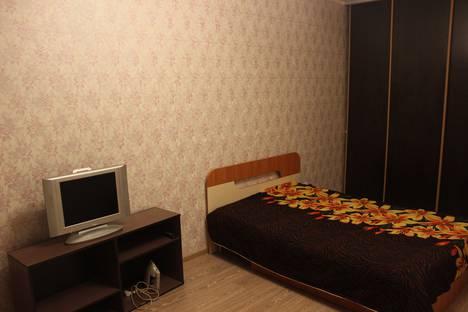 Сдается 1-комнатная квартира посуточно в Тюмени, Бакинских комиссаров 3 /1.