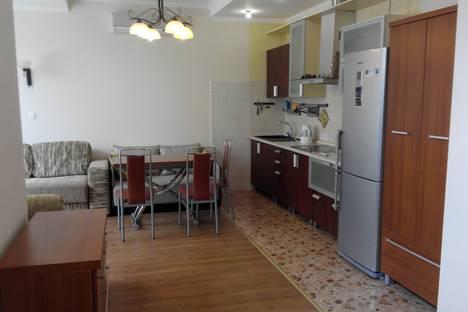 Сдается 1-комнатная квартира посуточно в Гаспре, Республика Крым, городской округ Ялта,Алупкинское шоссе, 30.