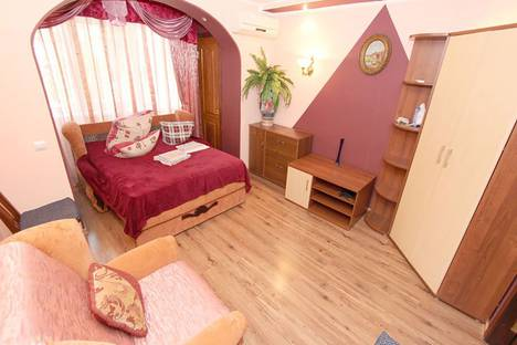 Сдается 2-комнатная квартира посуточно, Одесская улица, 2.