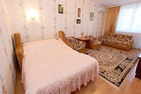 Сдается 1-комнатная квартира посуточно в Феодосии, улица Куйбышева, 57.